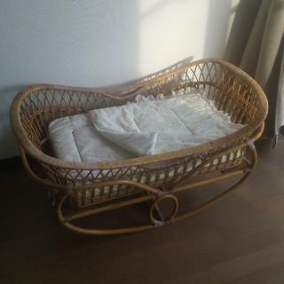 ___.re様専用☆籐製のゆりかご ベビーベッド(3way)&寝具類セット☆(ベビーベッド)