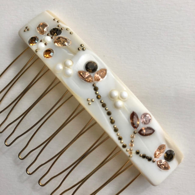 acca(アッカ)のacca Salon wire comb ヘアコーム ベージュ系 レディースのヘアアクセサリー(ヘアピン)の商品写真