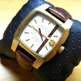 ディーゼル(DIESEL)の高級感ありあり〜★DIESEL 時計 稼働品 美品 GOLD★(腕時計(アナログ))