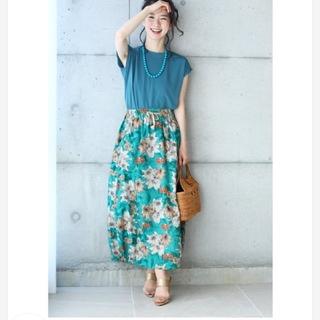 カワイイ(cawaii)の(新品タグ付き)cawaii サマーグリーン花柄ロングスカート(ロングスカート)