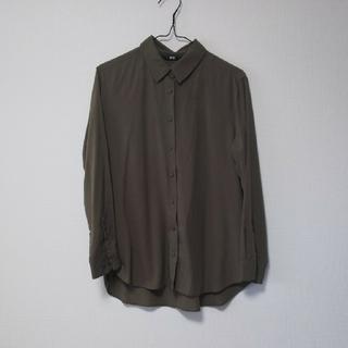 ユニクロ(UNIQLO)のカーキシャツ(シャツ/ブラウス(長袖/七分))
