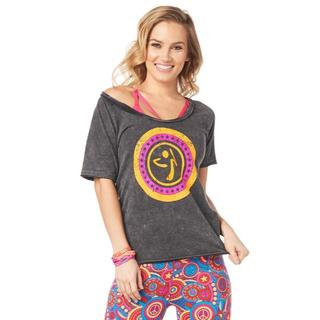 ズンバ(Zumba)の【正規品】ズンバ☆フロントロゴベーシックTシャツ☆Sサイズ・新品未使用(トレーニング用品)