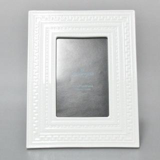 ウェッジウッド(WEDGWOOD)のウェッジウッド 小物美品  白 写真立て(その他)