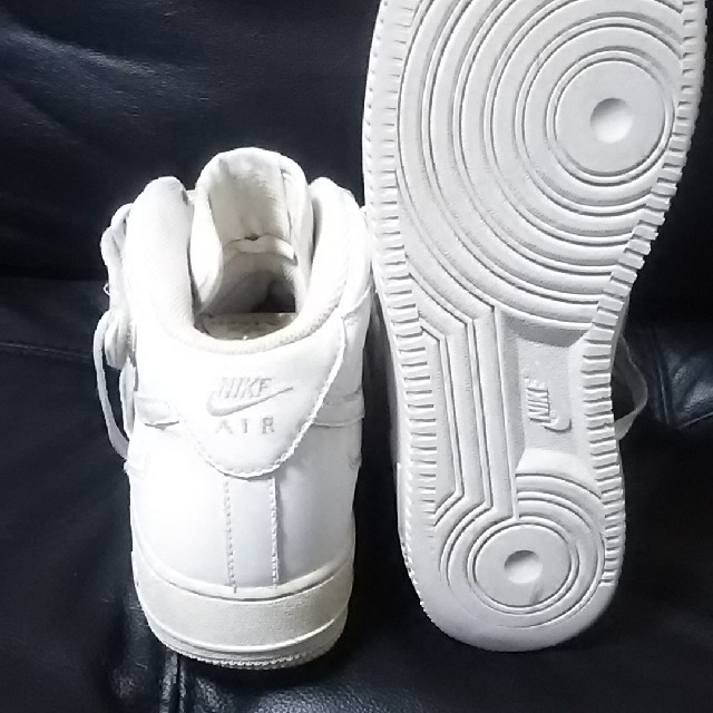 NIKE(ナイキ)の絶対王道!ナイキエアフォース1ビンテージハイカットスニーカー人気ホワイト! メンズの靴/シューズ(スニーカー)の商品写真