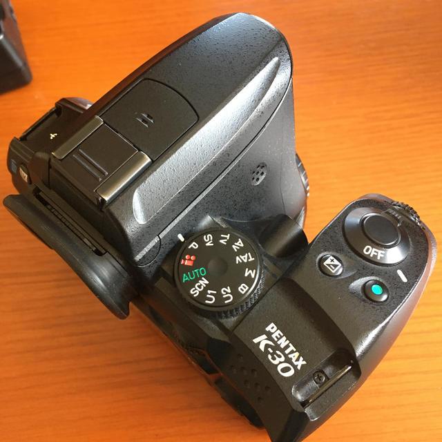 PENTAX(ペンタックス)のPENTAX ペンタックス K-30 実用中古 動作正常 傷あり  スマホ/家電/カメラのカメラ(デジタル一眼)の商品写真