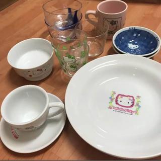 サンリオ(サンリオ)のキティちゃんの食器12点セット(キャラクターグッズ)