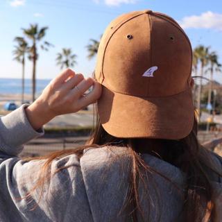 ロンハーマン(Ron Herman)の海で目立つ☆LUSSO SURF スウェード刺繍キャップ☆ベイフロー(キャップ)