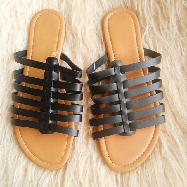 ZARA(ザラ)のペタンコサンダル レディースの靴/シューズ(サンダル)の商品写真