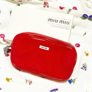 miumiu - ミュウミュウポーチ 赤
