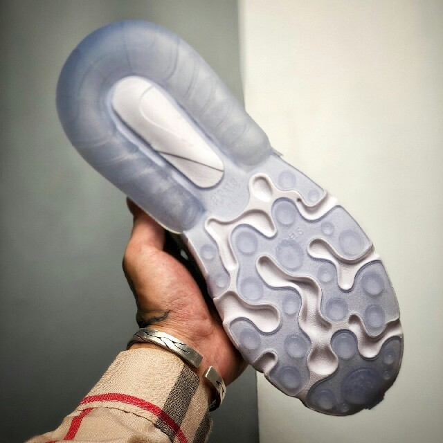 Dior(ディオール)のDior x NIKE AIR MAX 270 React 2020 メンズの靴/シューズ(スニーカー)の商品写真