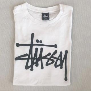 ステューシー(STUSSY)の《美品》STUSSY メンズロゴTシャツ(Tシャツ/カットソー(半袖/袖なし))