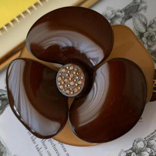 アレクサンドルドゥパリ(Alexandre de Paris)のアレクサンドルドゥパリ   ブラウン 2色 ビジューハズレなし カメリア(バレッタ/ヘアクリップ)