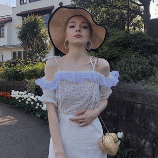 Lochie - epine off shoulder frill lace blouse