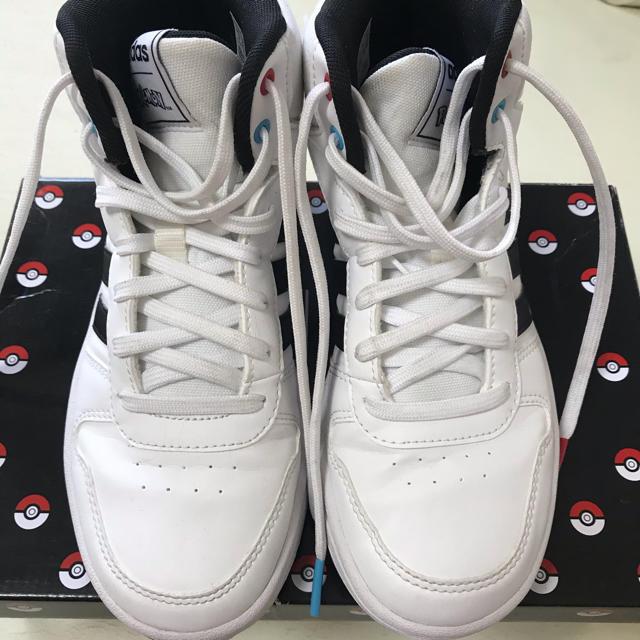 adidas(アディダス)のadidas アディダス スニーカー キッズ ポケモン ハイカット キッズ/ベビー/マタニティのキッズ靴/シューズ(15cm~)(スニーカー)の商品写真