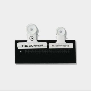 PEACEMINUSONE - PMO x THE CONVENI FRAGMENT BULLDOG CLIP