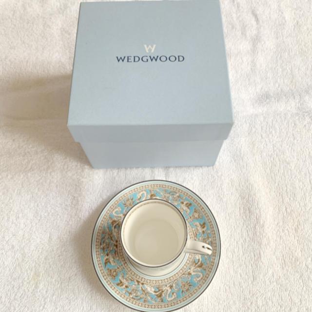 WEDGWOOD(ウェッジウッド)のWEDGWOOD ウェッジウッド フロレンティーン カップ&ソーサー 箱付き インテリア/住まい/日用品のキッチン/食器(食器)の商品写真