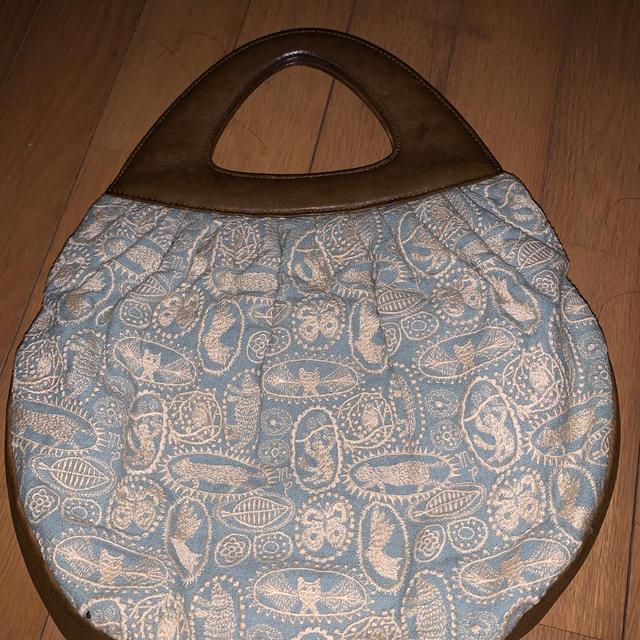 mina perhonen(ミナペルホネン)のミナペルホネン シェルバッグ jungle relief レディースのバッグ(トートバッグ)の商品写真
