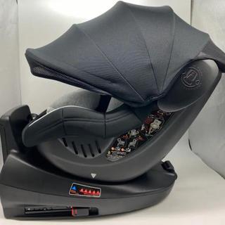 ロイヤルターン回転チャイルドシート新生児~4歳--未使用‼️