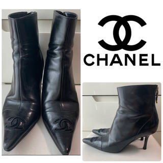 CHANEL - CHANEL ブラックレザー アイコントゥ ブーツ