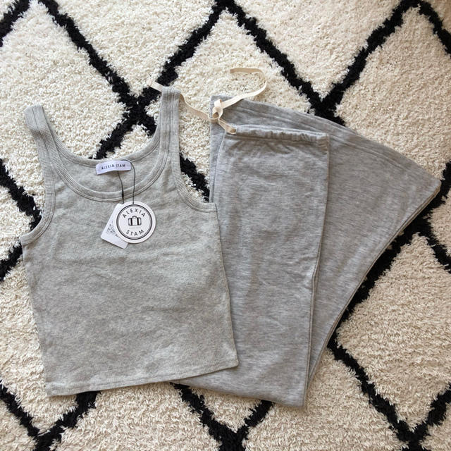 ALEXIA STAM(アリシアスタン)のAlexia stam セットアップ 新品未使用 レディースのトップス(Tシャツ(半袖/袖なし))の商品写真