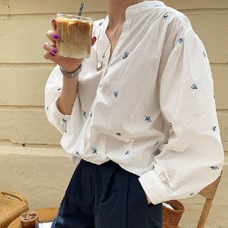 ZARA - 花刺繍ブラウス