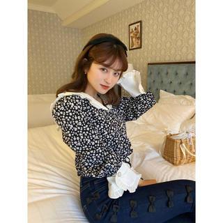 Lochie - ♡ flower frill blouse ♡