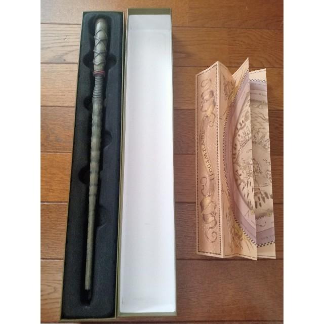 大阪usjのオリバンダーの店で買った杖 エンタメ/ホビーのおもちゃ/ぬいぐるみ(キャラクターグッズ)の商品写真