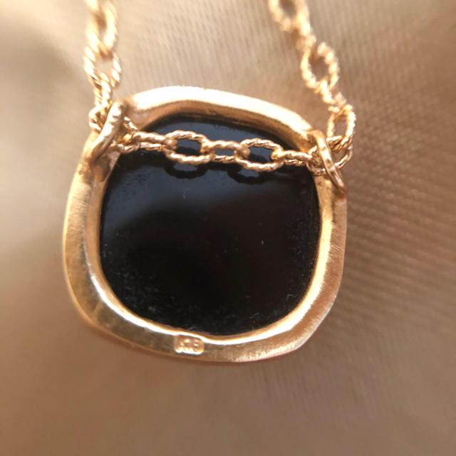 クアラントット オニキスネックレスチャーム レディースのアクセサリー(ネックレス)の商品写真