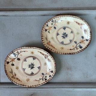 【2枚セット】松浦コータロー&ナオコ 安南手絵付け楕円小皿 魚 オーバルプレート