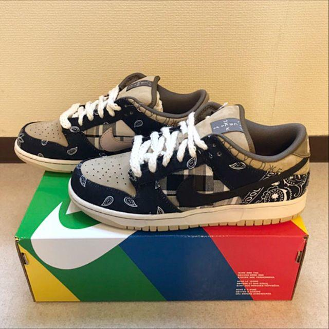 NIKE(ナイキ)のTRAVIS SCOTT × NIKE SB DUNK LOW 27cm メンズの靴/シューズ(スニーカー)の商品写真