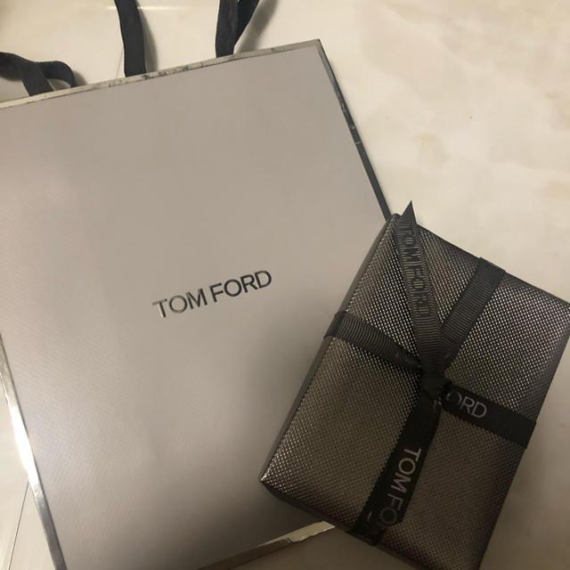 TOM FORD(トムフォード)のトムフォード 限定 27 メテオリック ショッパー ラッピング アイシャドウ  コスメ/美容のベースメイク/化粧品(アイシャドウ)の商品写真