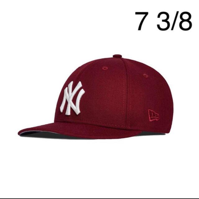 Supreme(シュプリーム)のKITH × NEWERA 59FIFTY ヤンキース 7 3/8 エンジ メンズの帽子(キャップ)の商品写真