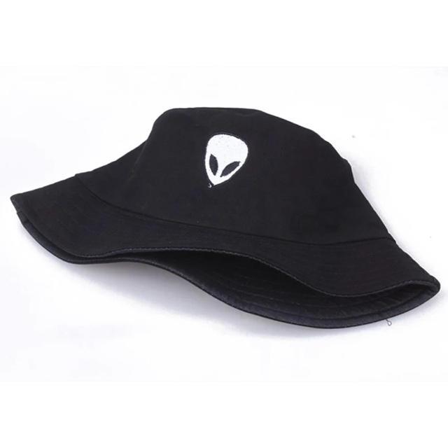 宇宙人 エイリアン バケットハット 黒 メンズの帽子(ハット)の商品写真