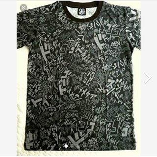 バンダイ(BANDAI)のジョジョの奇妙な冒険 効果音プリント 漫画アニTシャツ Mサイズ PVCバック付(Tシャツ/カットソー(半袖/袖なし))