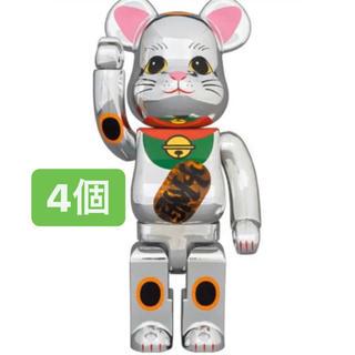 メディコムトイ(MEDICOM TOY)のBE@RBRICK 招き猫 銀メッキ 発光 400% 4個セット(その他)