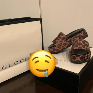 Gucci - GUCCI 厚底サンダル