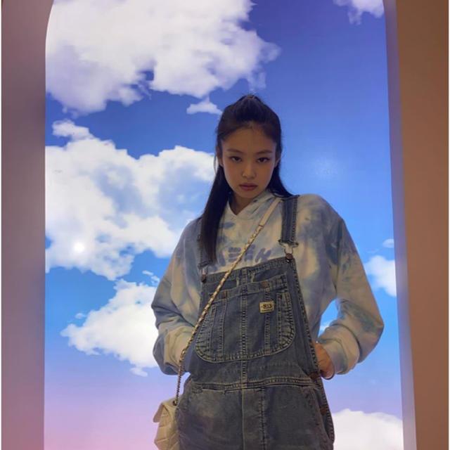 STYLENANDA(スタイルナンダ)の【美品】NIEEH フーディー JENNIE着用 レディースのトップス(パーカー)の商品写真