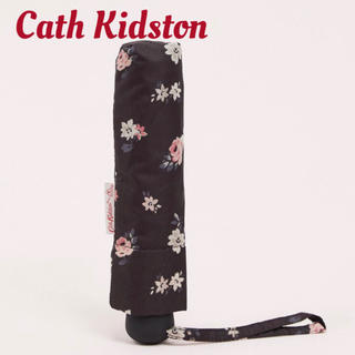 キャスキッドソン(Cath Kidston)の新品未使用【Cath Kidston】フラワープリント折り畳み傘(傘)