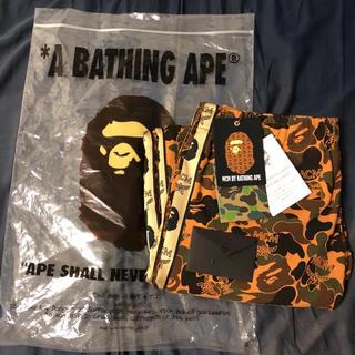 アベイシングエイプ(A BATHING APE)の【新品》MCM × A BATHING APE トラックパンツ(ジャージ)