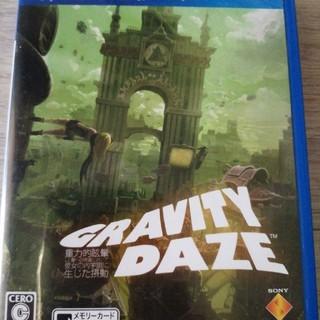 プレイステーションヴィータ(PlayStation Vita)のGRAVITY DAZE/重力的眩暈:上層への帰還において、彼女の内宇宙に生じた(携帯用ゲームソフト)