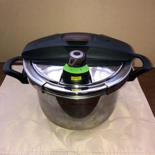ワンダーシェフ(ワンダーシェフ)の圧力鍋 両手 5.5L IH対応 ワンダーシェフ ショコライム(鍋/フライパン)