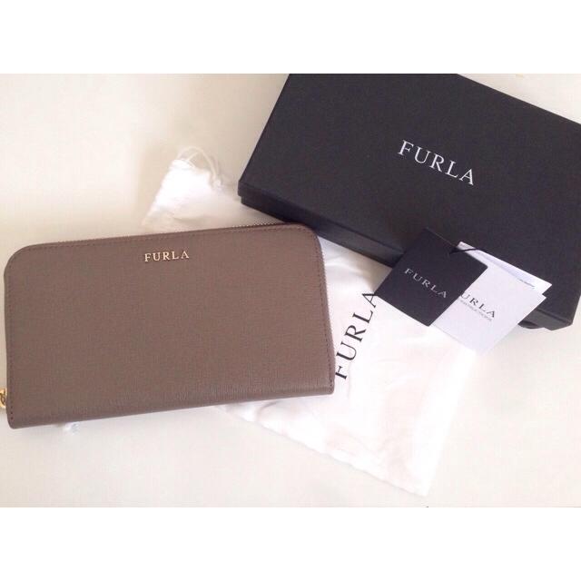 74ab1e6ca01c Furla(フルラ)のFURLA未使用ラウンドファスナー長財布 レディースのファッション小物