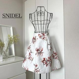 snidel - 【美品】スナイデル プリントフラワーフレアスカート