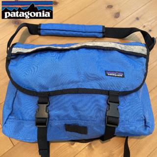 パタゴニア(patagonia)の【レア色】04's Patagonia Half Mass Bag ブルー(メッセンジャーバッグ)
