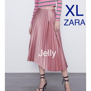 ザラ(ZARA)の【タグ付き新品】ザラ サテン プリーツスカート(ロングスカート)