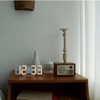 アイフォーン(iPhone)のLED時計 beige212(置時計)