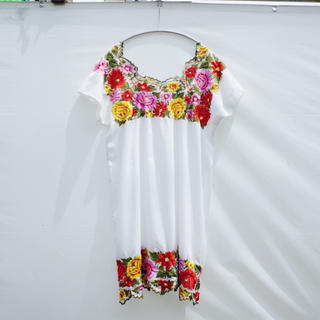 アメリヴィンテージ(Ameri VINTAGE)のVintage Flower embroidered cotton dress(ひざ丈ワンピース)