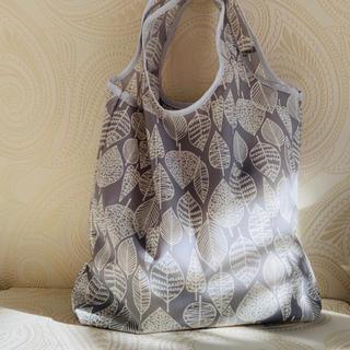 マイアザーバッグ(my other bag)の【撥水 大きめエコバッグ】北欧風リーフグレー かわいいエコバックでお買いもの♪(エコバッグ)