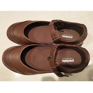 アシックス(asics)のアシックス pedalaフラットシューズ(ストラップ付) 24cmEE(ローファー/革靴)