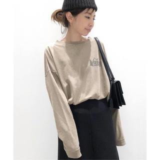 アパルトモンドゥーズィエムクラス(L'Appartement DEUXIEME CLASSE)のREMI RELIEF レミレリーフ Print L/S Tee  (Tシャツ(長袖/七分))